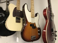 USED Fender Bass (USED Fender Bass)